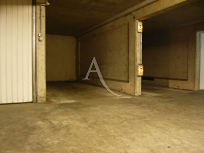Location: Parking / box ANGERS 12m²