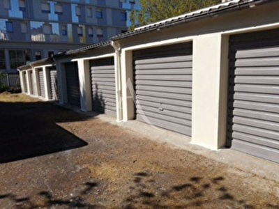 Parking / box ANGERS   16 m²